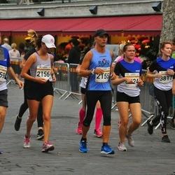 Tallinna Maratoni Sügisjooks 10 km - Jan Geisor (2155), Camilla Geisor (2156), George Kazantzopoulos (3359), Pille-Riin Lahesalu (3817), Eliise-Koidula Kivimäe (4417), Kaili Tshernov (6524)