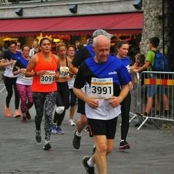 Tallinna Maratoni Sügisjooks 10 km - Artur Minasjan (1940), Ksenia Guljaeva (3091), Hannu Mäkelä (3991), Evita Grundberga (6452)