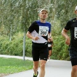 Tallinna Maraton - Indrek Mägi (399), Arkko Pakkas (2411)