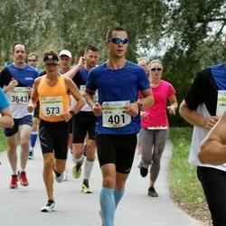 Tallinna Maraton - Artur Melkumjan (401), Svetlana Kulcihina (1186)