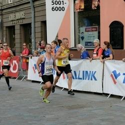 Tallinna Maratoni Sügisjooks 10 km - Sulev Kraam (266), Ando Hermsalu (939), Samu Nerg (3906)