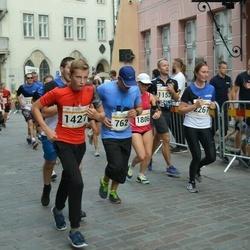 Tallinna Maratoni Sügisjooks 10 km - Maidu Eru (762), Aare Luhaäär (1427)