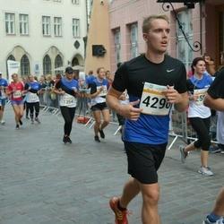 Tallinna Maratoni Sügisjooks 10 km - Arno Peever (4296)