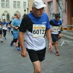Tallinna Maratoni Sügisjooks 10 km - Rodrigo Silva (4418), Aavo Halling (6012)
