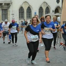 Tallinna Maratoni Sügisjooks 10 km - Lea Palksaar (2521), Anneli Rõhtjuk (10586)