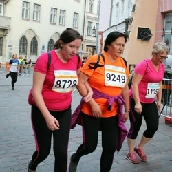 Tallinna Maratoni Sügisjooks 10 km - Anna-Riina Reitel (8728), Eeva Lillepea (9249)