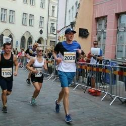 Tallinna Maratoni Sügisjooks 10 km - Aleksandra Ruzanov (1044), Anton Ruzanov (1102), Karl Oliver Tomson (2028)