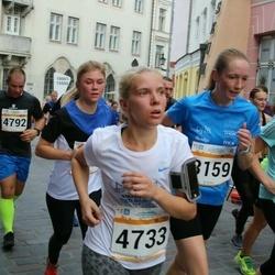 Tallinna Maratoni Sügisjooks 10 km - Anna-Maria Antsmäe (894), Leana Kolsar (4733), Eha Õismaa (8159)