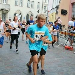 Tallinna Maratoni Sügisjooks 10 km - Peeter Heinsaar (916), Anderi Povodov (4946)