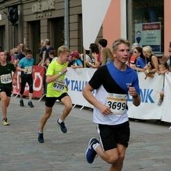 Tallinna Maratoni Sügisjooks 10 km - Andi Nõmmela (3699), Oliver Kinks (5829), Olle Ilmar Jaama (6709)