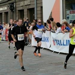 Tallinna Maratoni Sügisjooks 10 km - Mariia Shushakova (455), Rene Taal (725), Boriss Burkov (779)