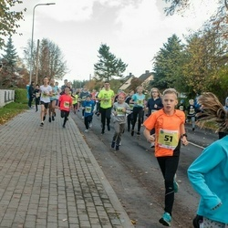 45. Saaremaa kolme päeva jooksu noortejooks - Henri Säkk (51), Liisa Nõmm (218)