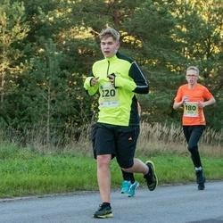 45. Saaremaa kolme päeva jooksu noortejooks - Mathias Kaljuvee (180), Parvin Tiks (220)