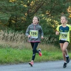 45. Saaremaa kolme päeva jooksu noortejooks - Liisa Sall (139), Kristiin Heleen Oll (178)