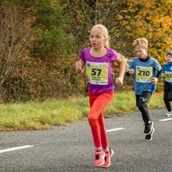 45. Saaremaa kolme päeva jooksu noortejooks - Anna Mia Atonen (57), Lukas Palu (210)