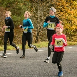 45. Saaremaa kolme päeva jooksu noortejooks - Eliise Luks (29), Grete-Liis Roosioks (43), Martha Trees (97), Katriin Aksalu (130)