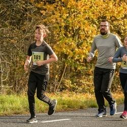 45. Saaremaa kolme päeva jooksu noortejooks - Liisa Naulainen (28), Arthur Kaljuvee (181)
