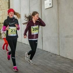 45. Saaremaa kolme päeva jooksu noortejooks - Kristiin Heleen Huttunen (27), Marleen Skobelev (206)