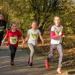 45. Saaremaa kolme päeva jooksu noortejooks - Undīne Rūta Riekstiņa (67), Mirtel Paimre (170), Mirjam Paimre (171)