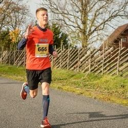 45. Saaremaa kolme päeva jooks - Kaur Siimaste (666), Karoliina Kiik (667)