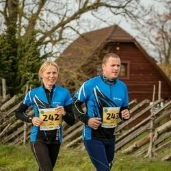 45. Saaremaa kolme päeva jooks - Aili Sarik (242), Villu Sarik (243)