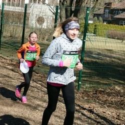Parkmetsa jooks - Carola Harsija (391), Bretty Harsija (392)
