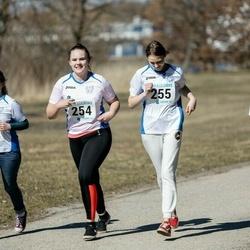 Sinilillejooks PÄRNU 2019 - Heliete Mänd (254), Liisbeth Pärna (255), Laura Pärna (256), Kaisa Aas (258)