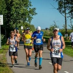 Pärnumaa Võidupüha maraton - Toomas Kogger (382), Alo Viirmaa (415), Aaron Stansbury (428), Sam Mitchell (441)