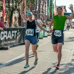 Pärnumaa Võidupüha maraton - Christine Specht (544), Tobias Leupold (545)