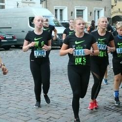 Nike Noortejooks (We Run Tallinn) - Annabel Pern (1618), Reili Saukas (1752)