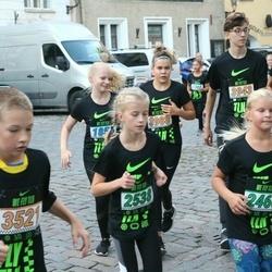 Nike Noortejooks (We Run Tallinn) - Meloore Tamm (2460), Alessandra-Victoria Jasska (2538)