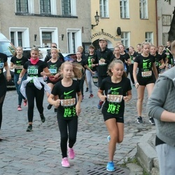 Nike Noortejooks (We Run Tallinn) - Brith Juhanson (1662), Ingrid Loim (2661), Helis Laane (3371), Anette-Laura Porrmann (3557), Emma Marie Tillemann (3839)