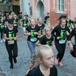 Nike Noortejooks (We Run Tallinn) - Berit Raja (1113), Catleen Koort (1744)