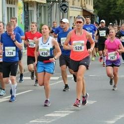 Tallinna Maraton - Charlotte Healy (430), Emma Snowdon (528)