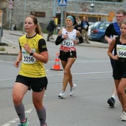 Tallinna Maraton - Venla Heikkilä (566), Irina Biziaeva (2431)