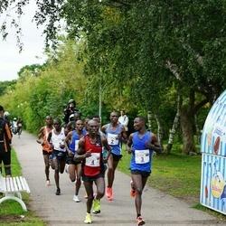 Tallinna Maraton - Bernard Cheruiyot Sang (2), Joseph Kyengo Munywoki (3), Moses Too (4)