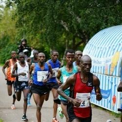 Tallinna Maraton - Moses Too (4), Bernard Kitur (7)