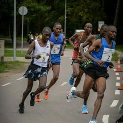 Tallinna Maraton - Alfers Lagat (5), Josphat Leting (6), Bernard Kitur (7)