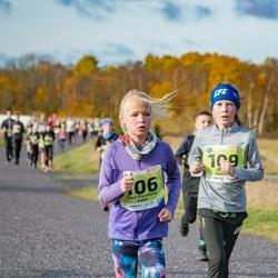 46. Saaremaa kolme päeva jooksu noortejooks - Liisa Karoliine Vaht (106), Adeele Neitsov (109)