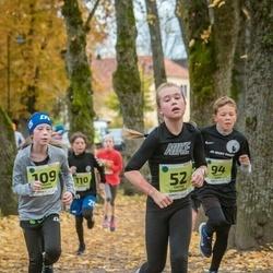 46. Saaremaa kolme päeva jooksu noortejooks - Gerda Smorodina (52), Adeele Neitsov (109)