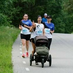 39. jooks ümber Pühajärve - Anna Remmelgas (383), Priit Remmelgas (384), Ave Kargaja (434)