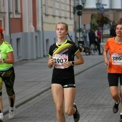 9. Tartu Linnamaraton - Ene Ojaperv (292), Jana Veenpere (3860), Marie Pihlap (3907)