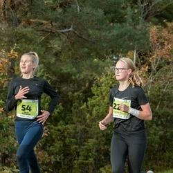 47. Saaremaa kolme päeva noortejooks - Maria Tammiste (54), Margarita Vaha (220)