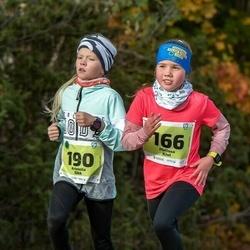 47. Saaremaa kolme päeva noortejooks - Melissa Kivi (166), Kristella Sikk (190)