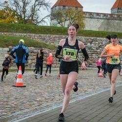 47. Saaremaa kolme päeva noortejooks - Lisett Alt (108), Elza Niklase (178)