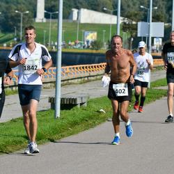 SEB Tallinna Maraton - Christiansen Charles (402), Tiit Simonlatser (1842), Maksim Gluhhovtsenko (2105)
