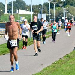 SEB Tallinna Maraton - Christiansen Charles (402), Petras Montvila (2141)