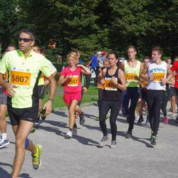 SEB Tallinna Maraton - Gaily Männik (2807), Amor Saal (5807), Kristjan Vene (6959)
