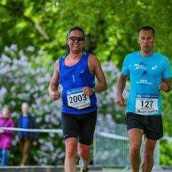 Helsinki Half Marathon - Konstantin Bondarenko (127), Juhapekka Santamaki (2003)