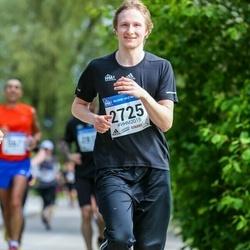 Helsinki Half Marathon - Leevi Manninen (2725)